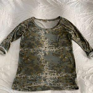 Aritzia TNA 3/4 Sleeve Shirt